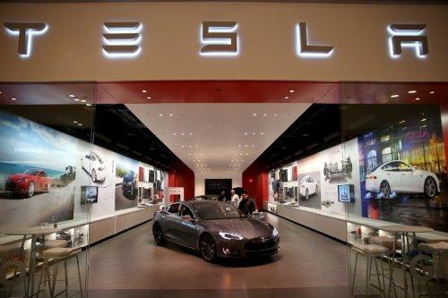 La Tesla pas chère à 25 000 euros pourrait arriver plus vite que prévu