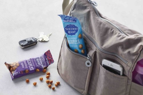 10 healthy and tasty snacks to pack for your next flight