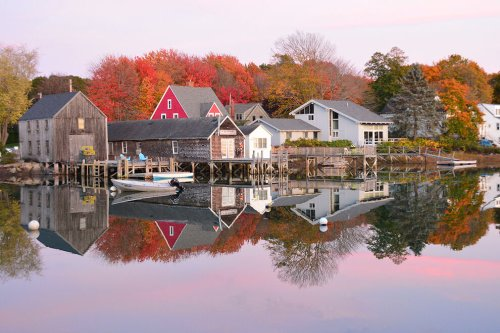 11 romantic small towns and resorts for fall across the United States