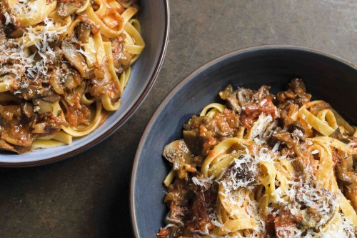 Fettuccine with Mushroom and Tomato Ragù