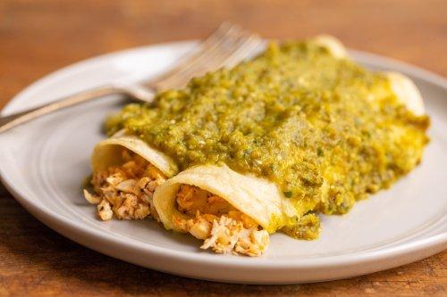 Green Enchiladas with Chicken and Cheese (Enchiladas Verdes)