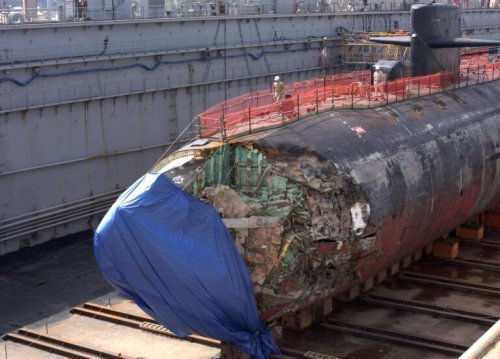 A Navy Nuclear-Submarine Survived Hitting an Underwater Mountain