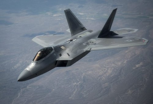 F-22 Stealth Fighter vs. Eurofighter Typhoon: One Pilot Has Answers