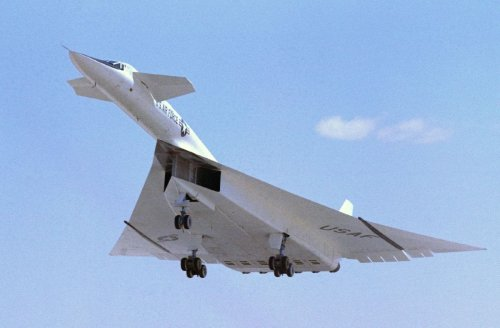 B-70 Valkyrie: The Supersonic Bomber Built to Outrun Russian Fighters