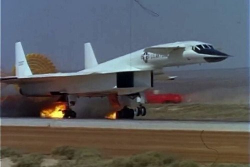 XB-70 Valkyrie Was Meant to the the Future of the Air Force (Then It Caught Fire)