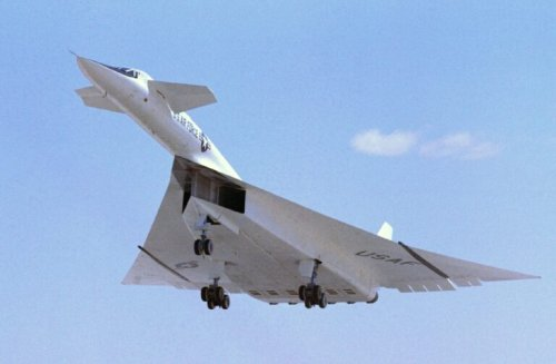 B-70 Valkyrie: Supersonic Bomber Turned Into a Hypersonic Missile 'Truck'?