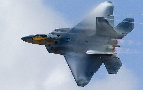 F-22 Stealth Fighters Scrambled to Intercept Russian Bombers Near Hawaii