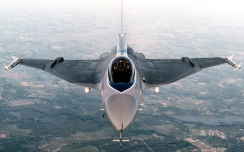 F-16XL: Why the Hell Did the Air Force Say No To This?