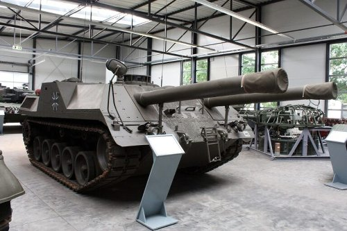 Versuchsträger: The Strangest of All Tanks That Had Two Big Guns