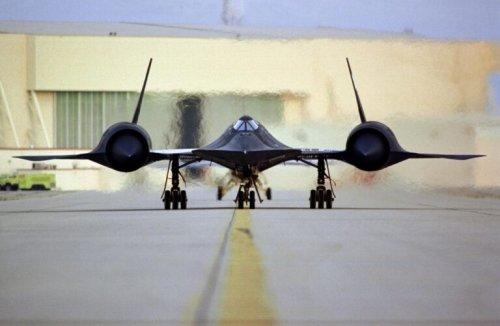SR-71 Blackbird Spy Plane: Still the Fastest Plane on Earth (And Retired)