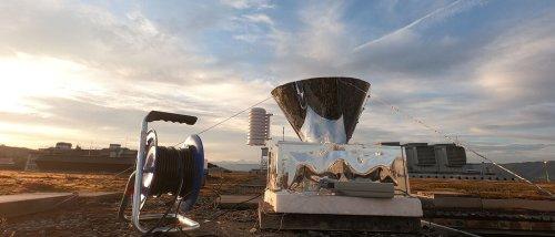 Schweizer Forscher haben eine Maschine entwickelt, die Wasser aus der Luft sammelt – ohne Strom