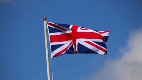 El Gobierno español firma un acuerdo con Reino Unido que permitirá a los británicos votar en municipales