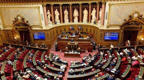 Coronavirus : Le Sénat envisage-t-il de désactiver temporairement le compte bancaire et le titre de transport des personnes en quarantaine?