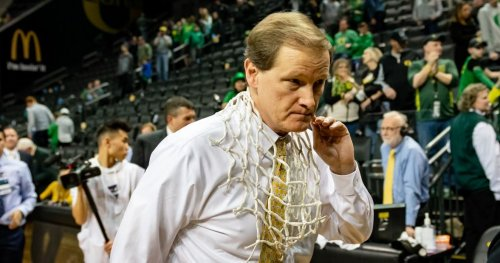 Oregon projected as a middle-tier NCAA Tournament team in 2022 by ESPN