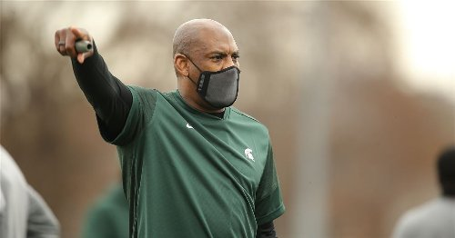 Mel Tucker breaks down Michigan State's quarterback competition between Anthony Russo and Payton Thorne