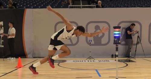Aaron Wiggins receives NBA Draft Combine invitation
