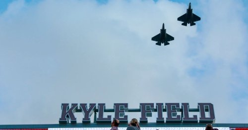 WATCH: Pair of F-35 fighter jets make Kyle Field flyover for South Carolina game