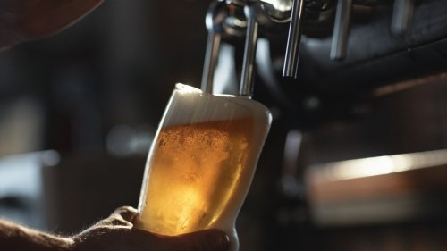 Americas Fastest Shrinking Beer Brands, and the 7 That Are Still Growing