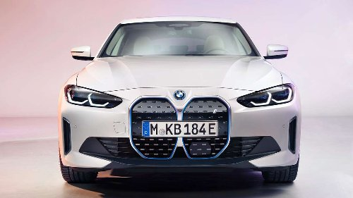 Serienversion des BMW i4 lässt Netz schäumen – nicht nur wegen des Grills