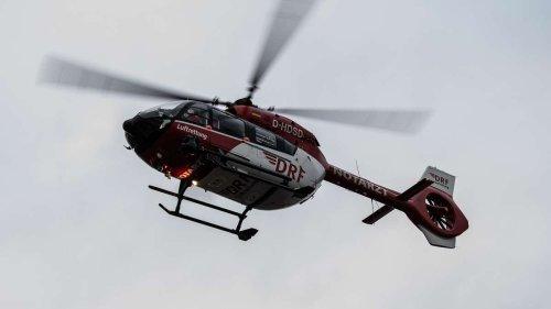 Mann rast mit BMW auf Hotel-Terrasse: Halbes Dutzend Verletzte und ein Verdacht