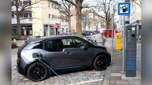 Stromnetze überlastet: Drehen Baerbock, Scholz oder Laschet Elektromobilität den Hahn zu?