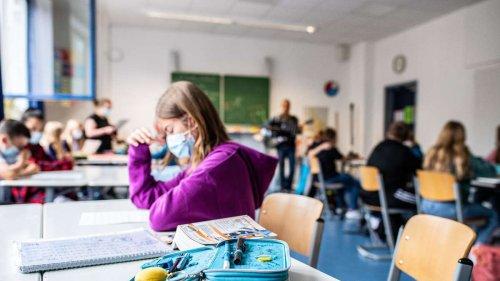 Corona an Schulen: Karl Lauterbach fordert weiter strenge Maskenpflicht