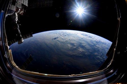 """Schockmoment nach Andocken von russischem Labor-Modul """"Nauka"""" an ISS"""