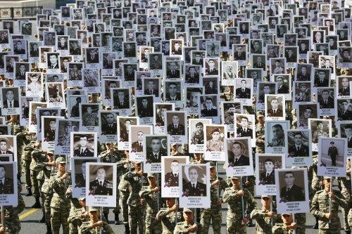 Gedenken an Opfer des Konflikts um Berg-Karabach in Armenien und Aserbaidschan