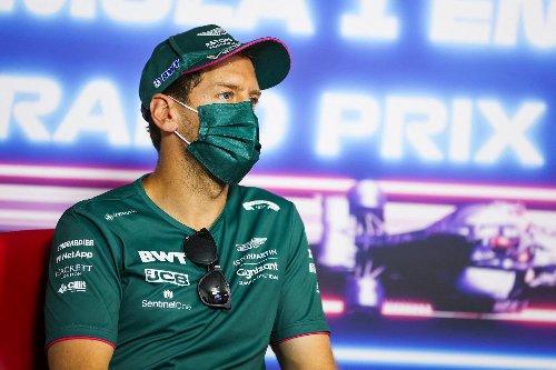 Vettel baut Insektenhotel in Form eines Rennwagens