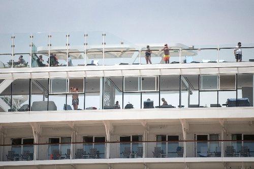 Erstmals legt ausländisches Kreuzfahrtschiff wieder an Spaniens Festland an