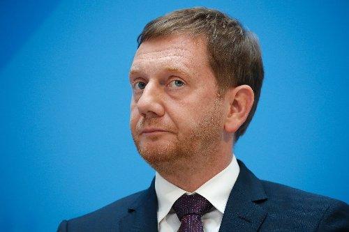 Kretschmer fordert Freiheiten für Astrazeneca-Geimpfte bereits nach erster Dosis