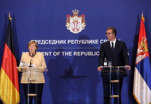 Merkel drängt EU zu schnellerem Handeln im Beitrittsprozess der Westbalkan-Länder
