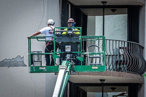 Bergungsarbeiten an eingestürztem Wohnhaus in Florida ausgesetzt