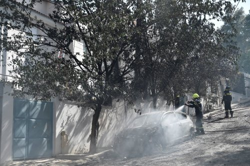 Waldbrand breitet sich nördlich von Athen aus
