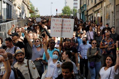 Proteste in ganz Frankreich gegen neue Corona-Maßnahmen