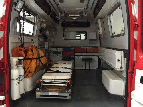 Angers : un père de famille hospitalisé après avoir sauté du 4e étage avec sa fille de 3 ans dans les bras
