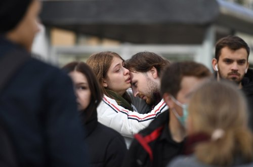 Russians mourn victims of campus shooting spree