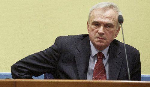 Milosevic aides face 'death squads' retrial verdict