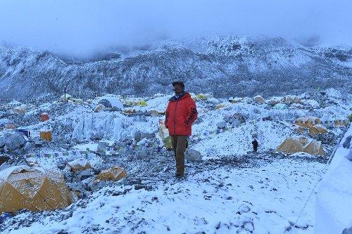 Covid threatens Everest climbing comeback plans