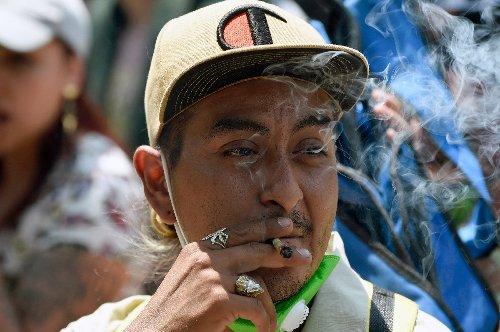 Mexico top court decriminalizes recreational marijuana use