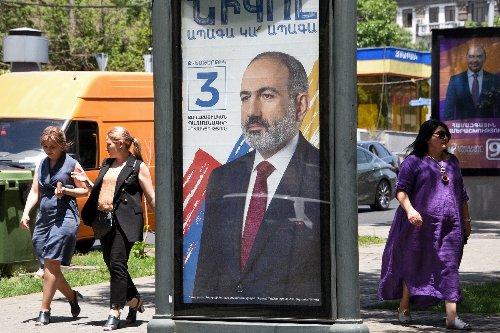 Armenia PM rallies voters ahead of tense polls
