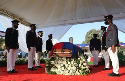 Tensions high as Haiti says farewell to slain president