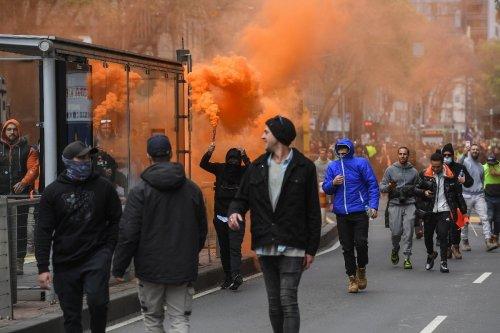 Melbourne police fire to disperse violent anti-vaccine protest