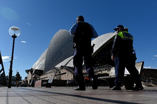 Australia records first death in Sydney virus outbreak
