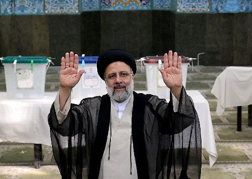 Iran votes for new president with ultraconservative tipped to win