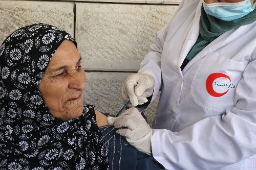 Palestinians cancel deal to trade vaccine doses with Israel