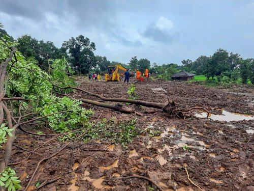India rescuers hunt for survivors as monsoon toll hits 76