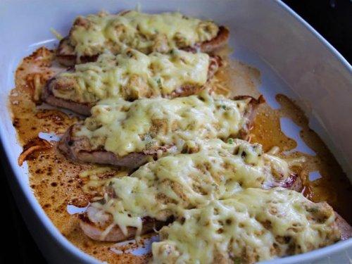 Rezept für überbackene Schnitzel: Ein cremiges Sommeressen