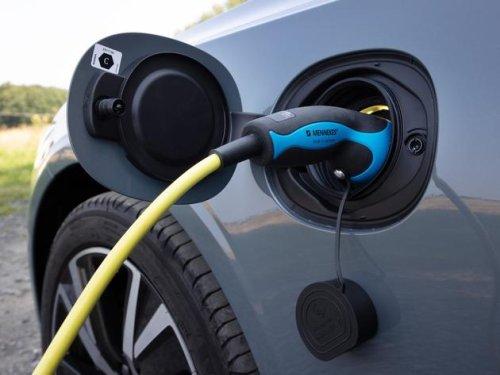 Volvo V90 Recharge: Kombi fast so lang wie Bulli von VW –Wann macht ein Hybrid-Auto Sinn?