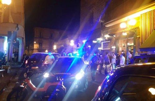 Frattamaggiore, movida al setaccio dei Carabinieri: due denunce e sgomberate le piazze più affollate